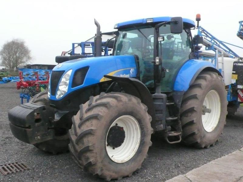 Ford New Holland T 7050