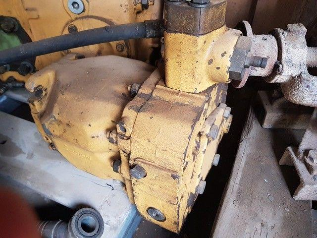 Caterpillar /Hydraulic Pump D6H 9T-3680
